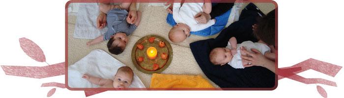 Unsere Fichtennest-Babys glücklich zusammen in der Babymassage