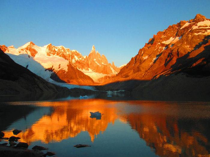 Sonnenaufgang Cerro Torre, Patagonien
