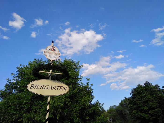 Perfekt für einen lauen Sommerabend: Der Biergarten vom Gasthaus Zum Löwen im Brombachtal