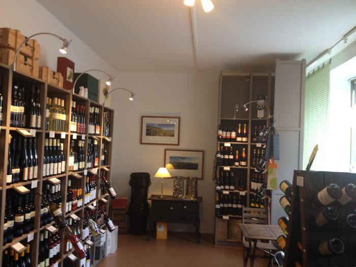 Eine große Auswahl an Weinen aus Groß-Umstadt, Bergstraße aber auch aus europäischen Regionen.
