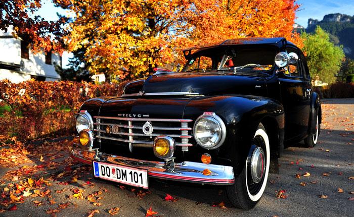 das war unser Volvo PV 444  A. Modelljahr 1947-1950 - Fahrgestellnummer 5690 - in einem äusserlich sehr schönen, zeitauthentischen Zustand. Einige sind der Meinung, das ist ein Auto das in ein Museum gehört.