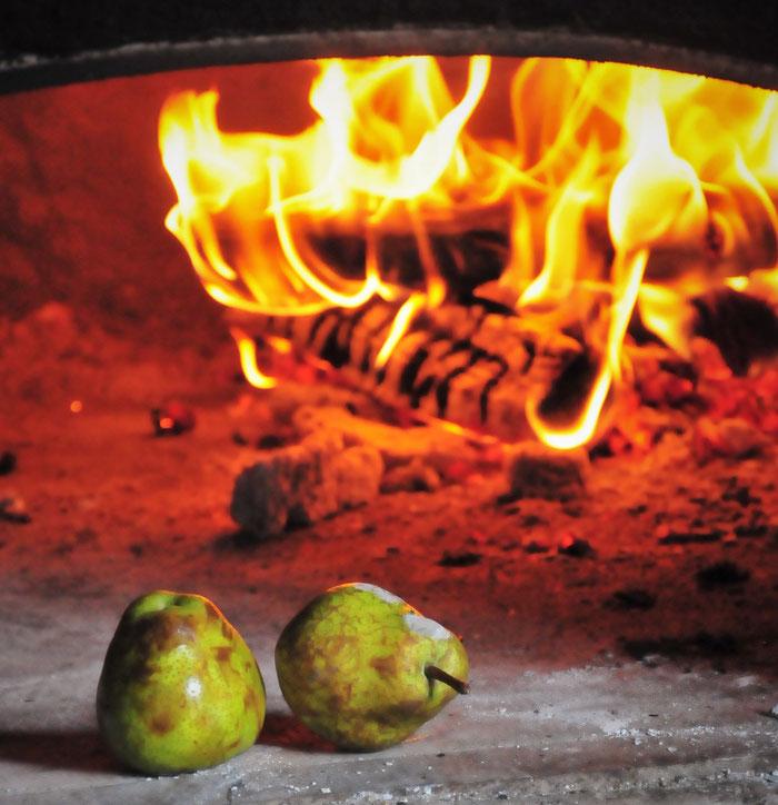 フルーツも石窯の炎の力で別次元の甘味が引き出されます@すどう農園