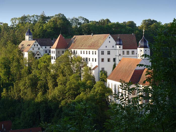 Freie Trauung - Ihre Hochzeitszeremonie an Ihrem Wunschort. Heiraten auf dem Schloss, Heiraten auf der Burg. Worteschenken - Gabriele A. Schmidt begleitet Sie bei Ihrer freien Trauung.