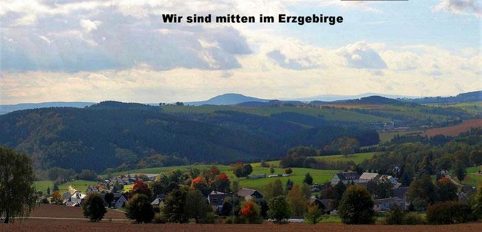 Erzgebirgspanorama (vom Heidelberg ),vorn der Pöhlberg,am Horizont der Keilberg(CZ) u. der Fichtelberg