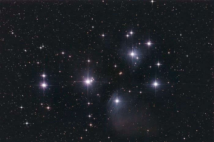 M45, Plejaden, Siebengestirn, Die sieben Schwestern
