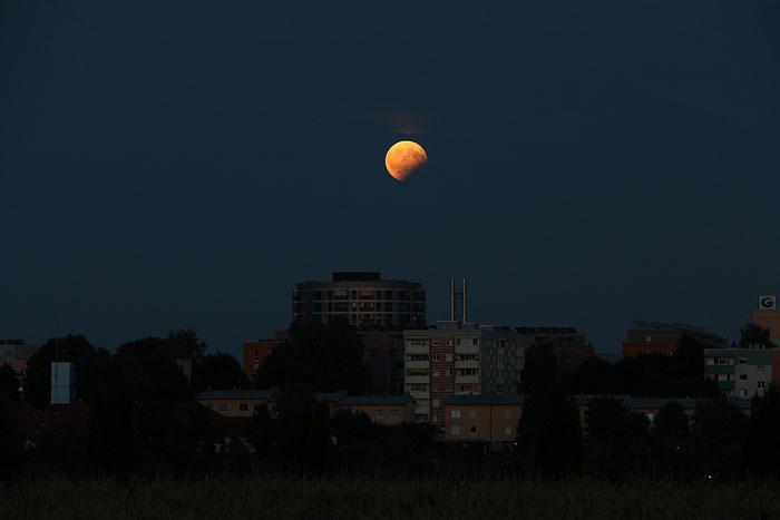 Partielle Mondfinsternis über Leonding, 7.8.2017