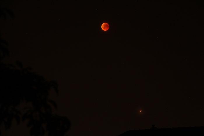 Mondfinsternis 2018 - Blutmond und Mars