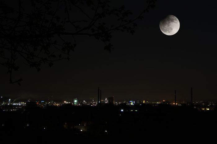 Partielle Mondfinsternis über Linz