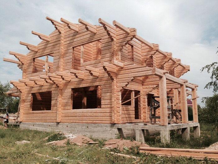 Дом из лафета в стиле шале, кедровый лафет