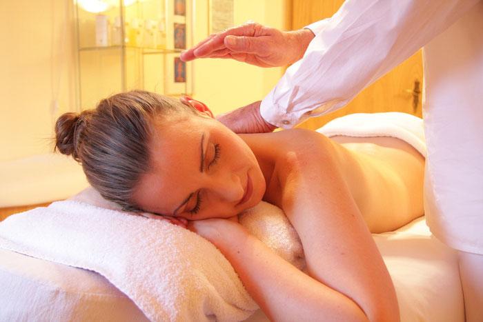Klassische Massage lockert die Muskelatur und sorgt für Entspannung