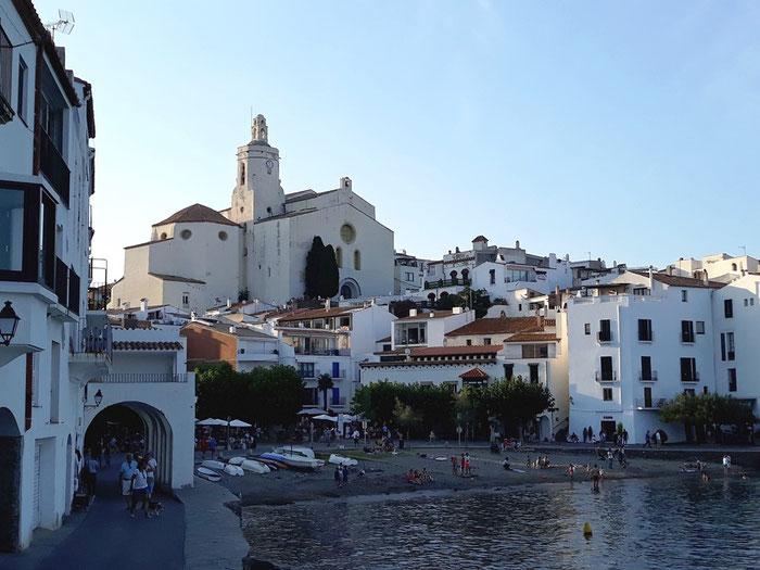 Кадакес - 1 место среди самых красивых городов Испании на побережье
