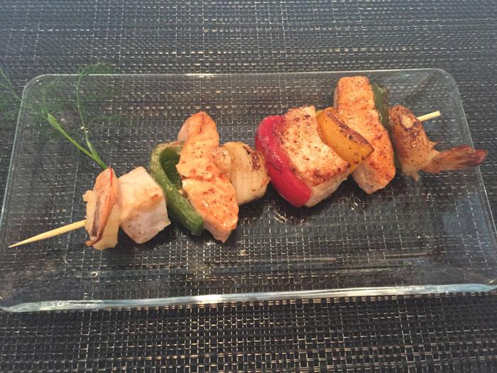 Fischspiesschen mit Gemüse