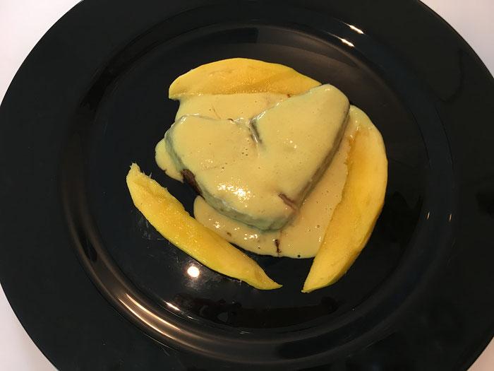 Thunfisch an Mango-Sauce