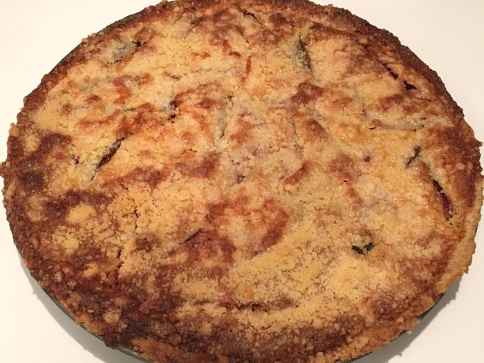 Zwetschgenkuchen mit Streusel und Mandelmasse