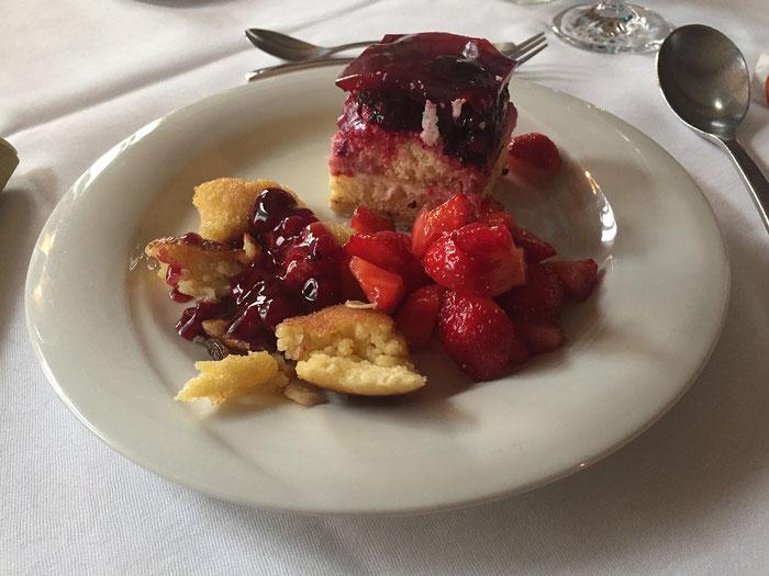 Auswahl vom Dessert-Buffet