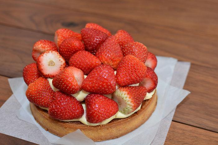 Bretonischer Kuchen mit Erdbeeren
