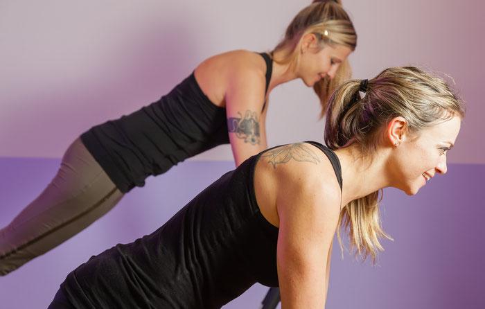 Pilates Gruppenstunden oder Personaltraining auf dem Reformer