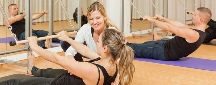 Pilates Gruppenstunden mit der Roll-Down-Bar in Romanshorn, Fabienne Stacher