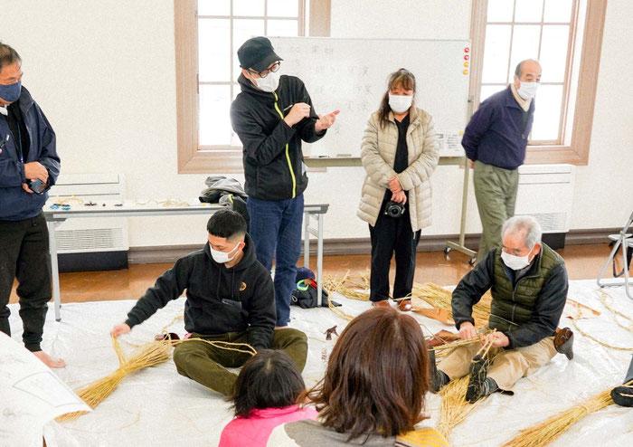 講師の池田将人さんが、実演の解説をしています。
