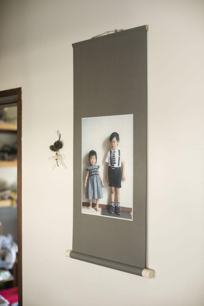 写真を紙に印刷し、表装することもできます。
