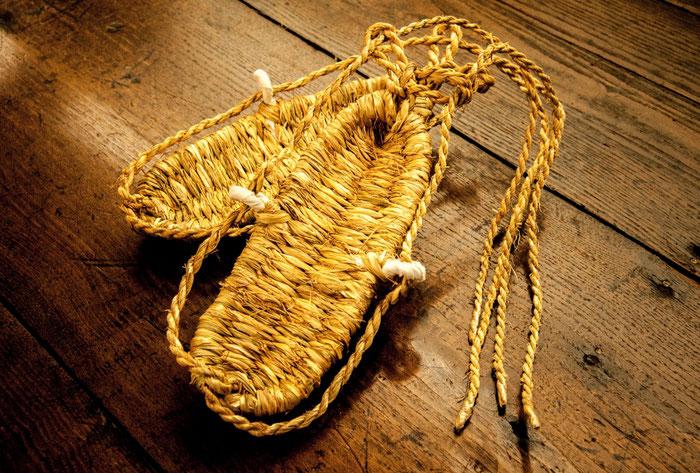 故・田畝弘さん制作の草鞋
