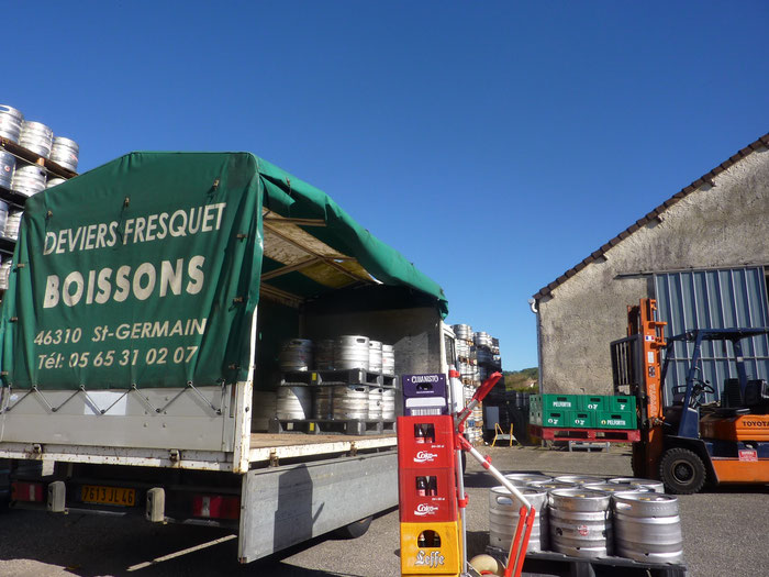 entrepôt boissons deviers fresquet lot 46 st germain du bel air fût de bière