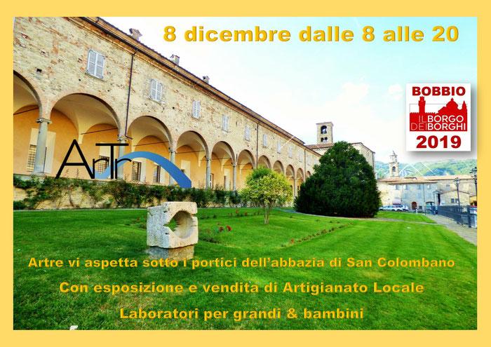 Gli Artigiani di ArTre a Bobbio IN PIAZZA SANTA FARA portici abbazia San Colombano   Artigianato Locale – Laboratori per bambini e adulti  Artigiani al lavoro con dimostrazioni pratiche