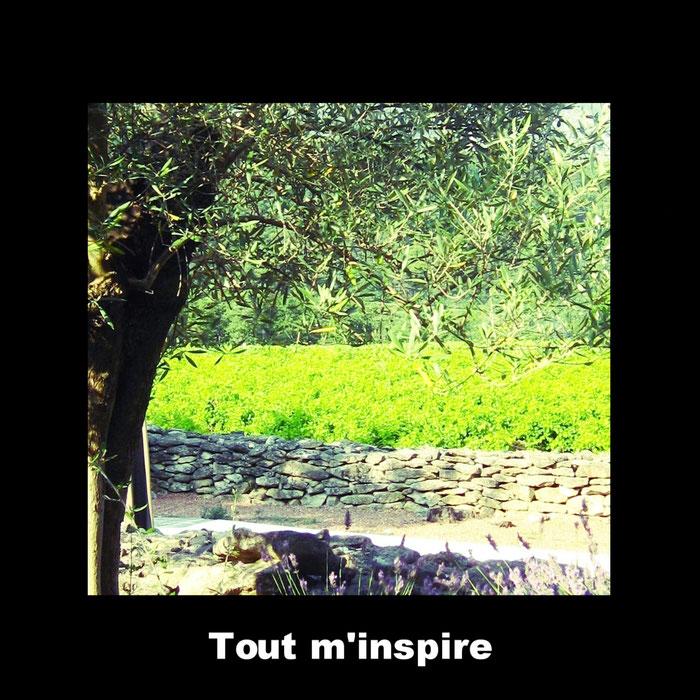 Photo prise dans le Luberon (j'ai grandi pas loin et je connais bien, un endroit m'inspirant particulièrement), près de là où j'aimerais tourner. Je pars souvent de photos que j'ai prises ou que je découvre, pour m'inspirer, pour écrire et pour filmer.