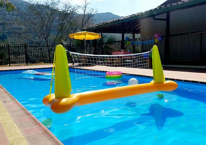 Finca cabañas hoteles con piscina para turismo en san gil santander, canotaje deportes de aventura y mucho mas te ofrece tu agencia villasofia san gil RNT 30901