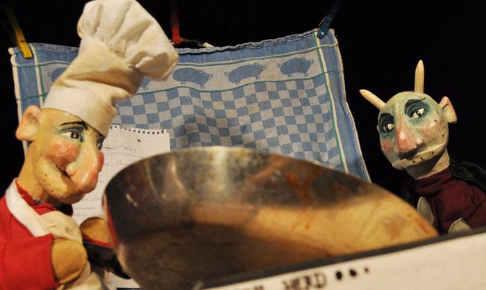 Puppentheater Gugelhupf: Kasper backt Pfannkuchen