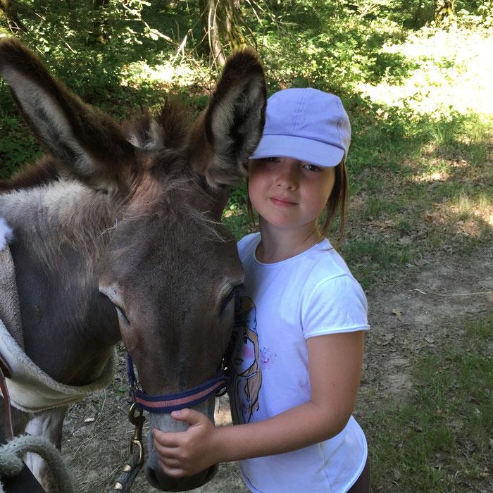 Cet été c'est décidé je pars randonner avec un âne et mes parents en Touraine Val de Loire !