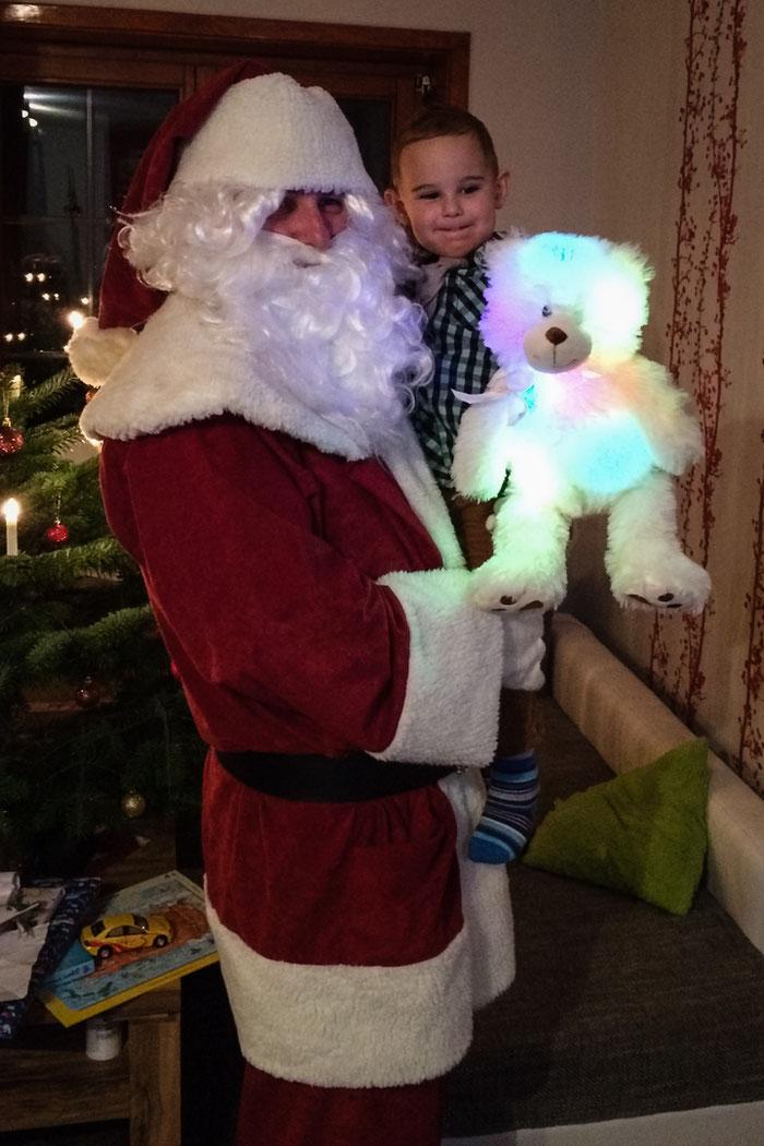 JGB Weihnachtsmann Henning Nagel zu Besuch bei Familie Hoffmann