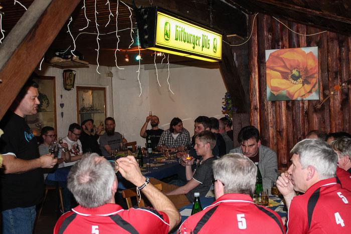 Die Teilnehmer des Whiskey Abends