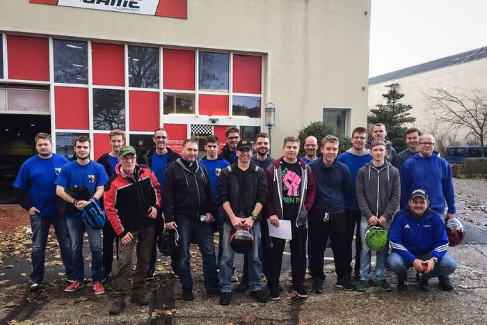 Die Teilnehmer des JGB Kartfahrens