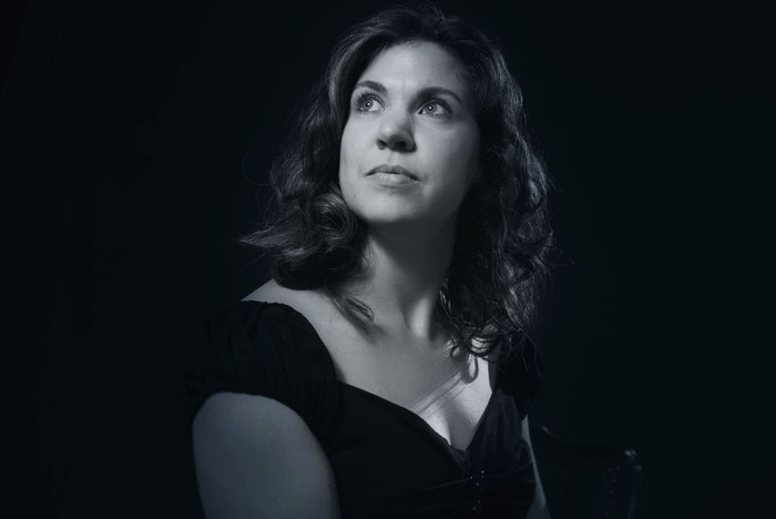 Charlotte Sander, Gesang, Mezzosopran, Bergisch Gladbach, Köln, Sängerin