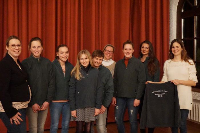 v. l. Mareen Triebels (2. Vorsitzende), Finja Honold, Chiara Deppe, Neele Honold, Nicole Bercz, Hetty Faatz (1. Vorsitzende), Renée Faatz, Ines Crins, Daniela Schwarz-Weling (Sportwart)