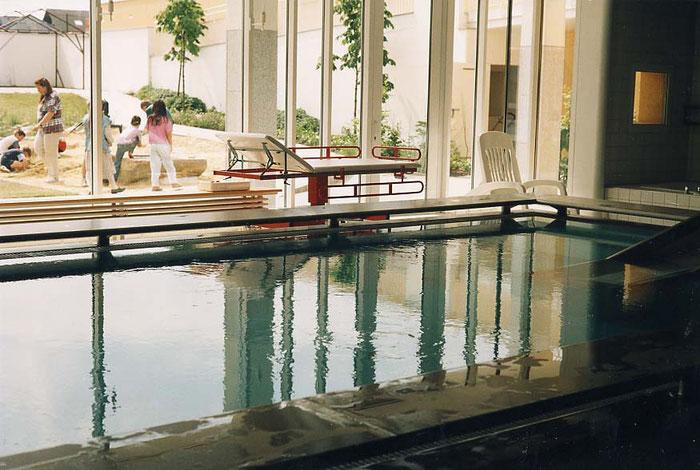Schwimmbad barrierefrei Architektin Lehner