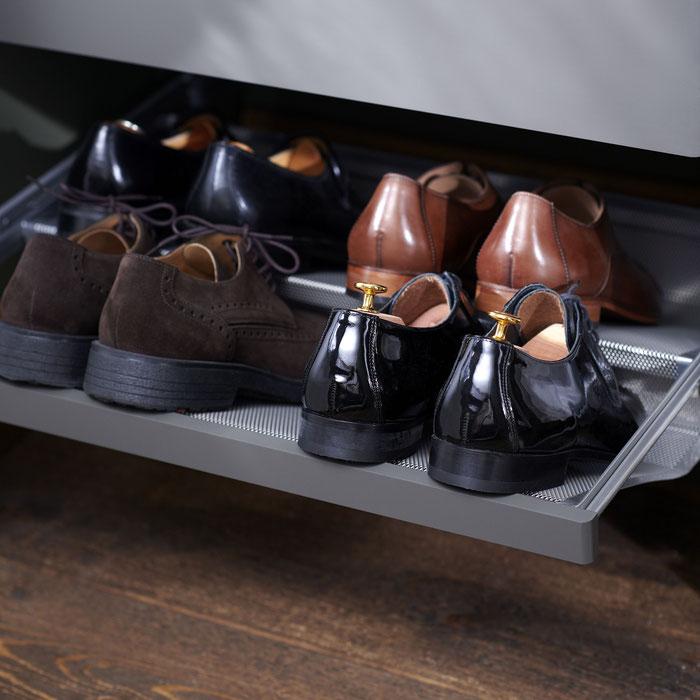 Schuhe schön aufbewahren mit den neuen Schuhauszügen von Elfa