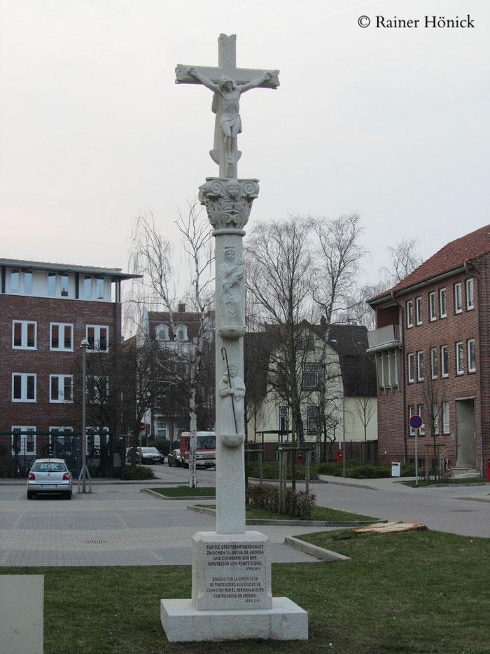 Pilgerkreuz beim Cuxhavener Rathaus