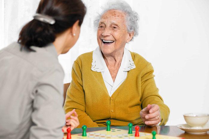 RAUM Seniorenpflege24 bietet faire Preise