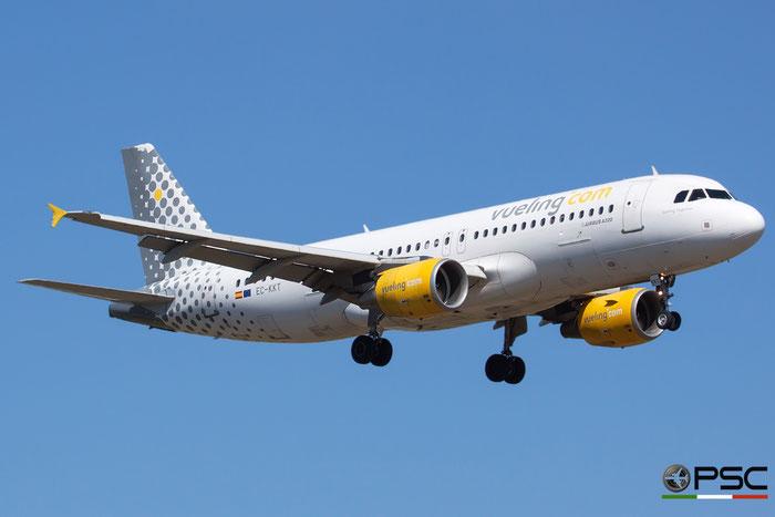 EC-KKT A320-214 3293 Vueling Airlines @ Bologna Airport 16.09.2015 © Piti Spotter Club Verona