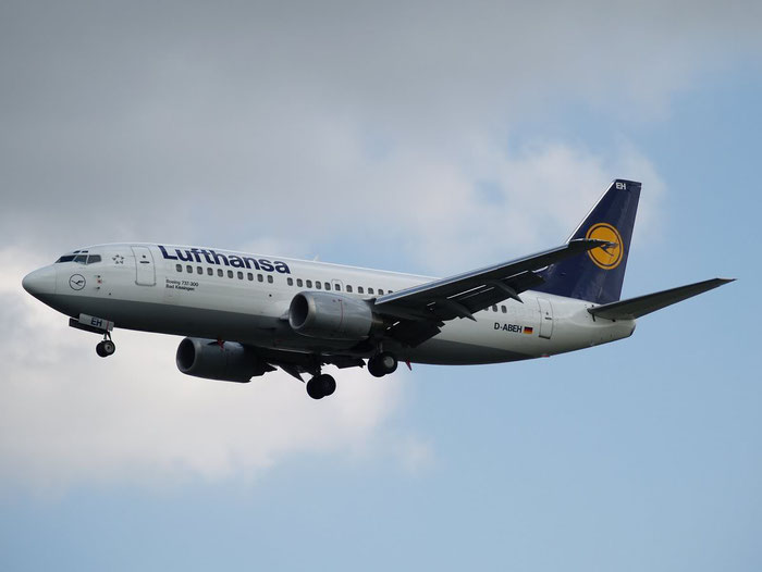 D-ABEH B737-330 25242/2102 Lufthansa @ London Heathrow Airport 08.2007 © Piti Spotter Club Verona