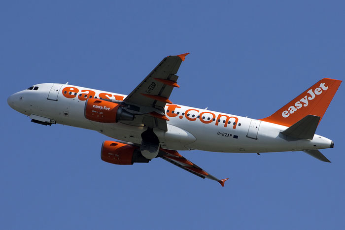 G-EZAP A319-111 2777 EasyJet Airline @ Venezia Airport 05.09.2014 © Piti Spotter Club Verona