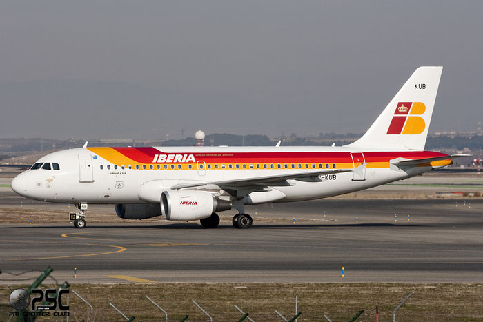 EC-KUB A319-111 3651 Iberia Líneas Aéreas de España @ Madrid Airport 01.2012 © Piti Spotter Club Verona
