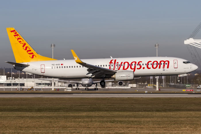 TC-AIS B737-82R 38174/3857 Pegasus Airlines @ Munich Airport 28.12.2015 © Piti Spotter Club Verona