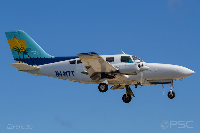 N441TT Cessna 402C 402C-0441 Sunbird Airlines Inc @ Sint Maarten Airport 04.2016 © Piti Spotter Club Verona