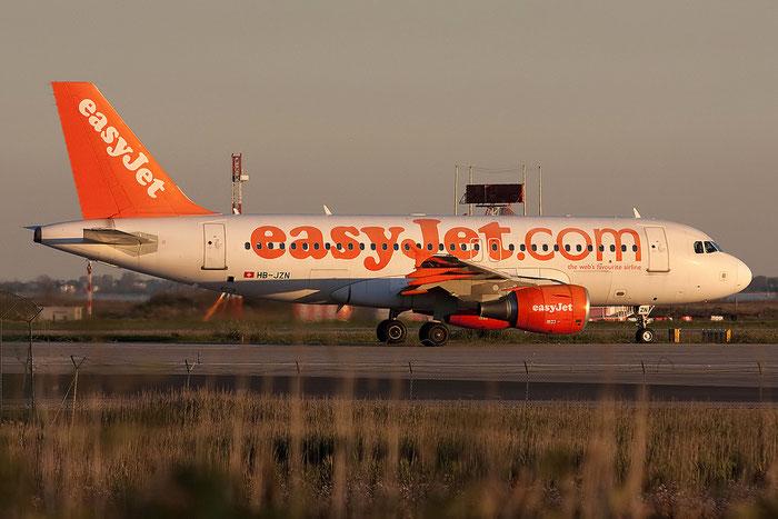 HB-JZN A319-111 2387 EasyJet Switzerland @ Venezia Airport 07.11.2012 © Piti Spotter Club Verona