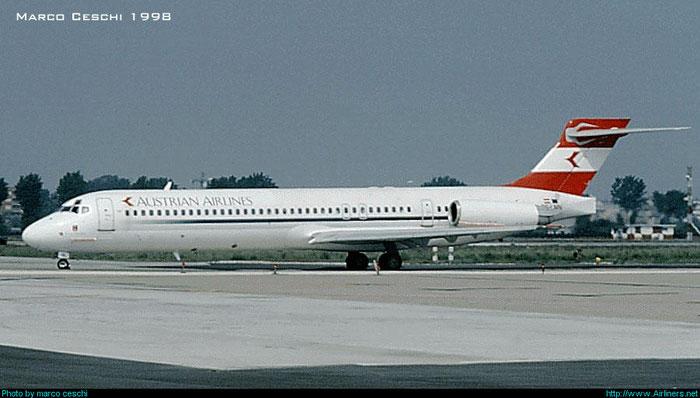 OE-LMN MD-87 49414/1682 @ Aeroporto di Verona © Piti Spotter Club Verona