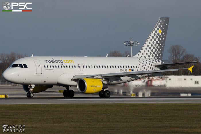 EC-LRZ A319-112 3700 Vueling Airlines @ Munich Airport 13.12.2015 © Piti Spotter Club Verona
