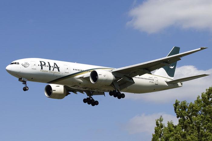 AP-BGJ B777-240ER 33775/467 PIA - Pakistan International Airlines @ London Heathrow Airport 13.05.2015 © Piti Spotter Club Verona